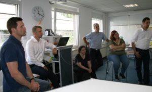 """3.Die Teilnehmer der DGQ-PraxisWerkstatt """"LEAN LAB"""" verfügten bereits über Erfahrungen mit Lean Management. Nach dem Training beherrschten sie die wichtigsten Methoden."""